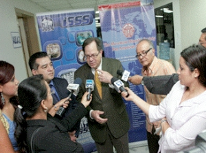 L to R: Dr. Ricardo Lopez Contreras, Prof. Jorge Juncos and Prof. Antonio Contreras Hernandez speak about the MDS Ambassador Program with members of the media in San Salvador, El Salvador in May 2011.